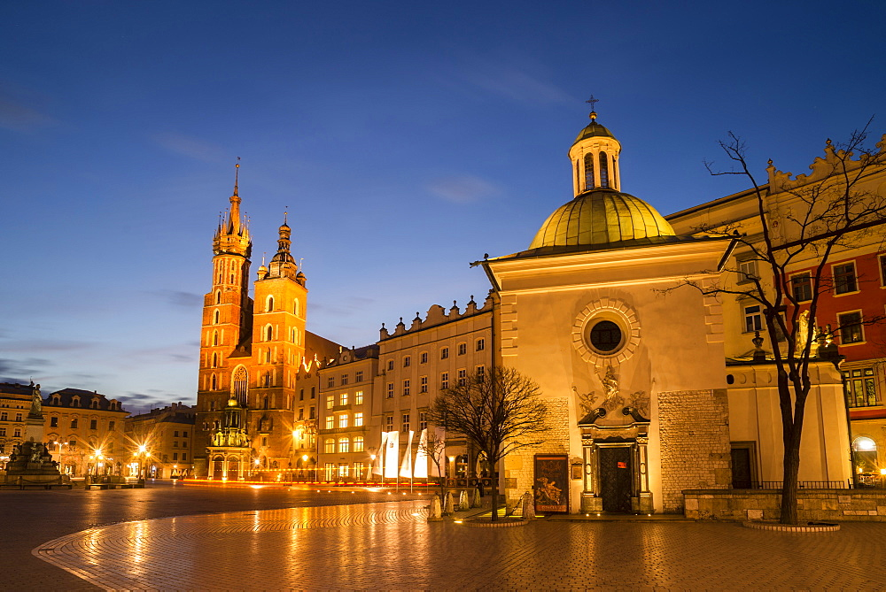 St. Mary's Church (St. Marys Basilica) and main square illuminated at dawn, UNESCO World Heritage Site, Krakow, Poland, Europe - 1200-65