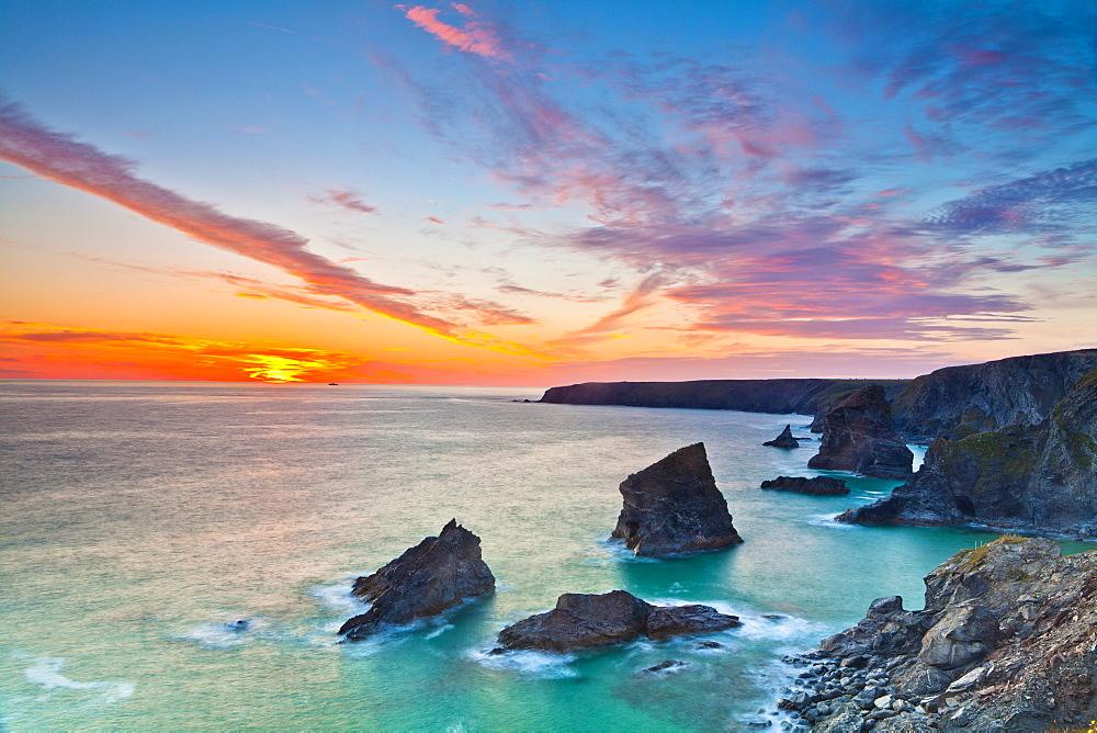 Sunset, Carnewas and Bedruthan Steps, Cornwall, England, United Kingdom, Europe - 1207-13
