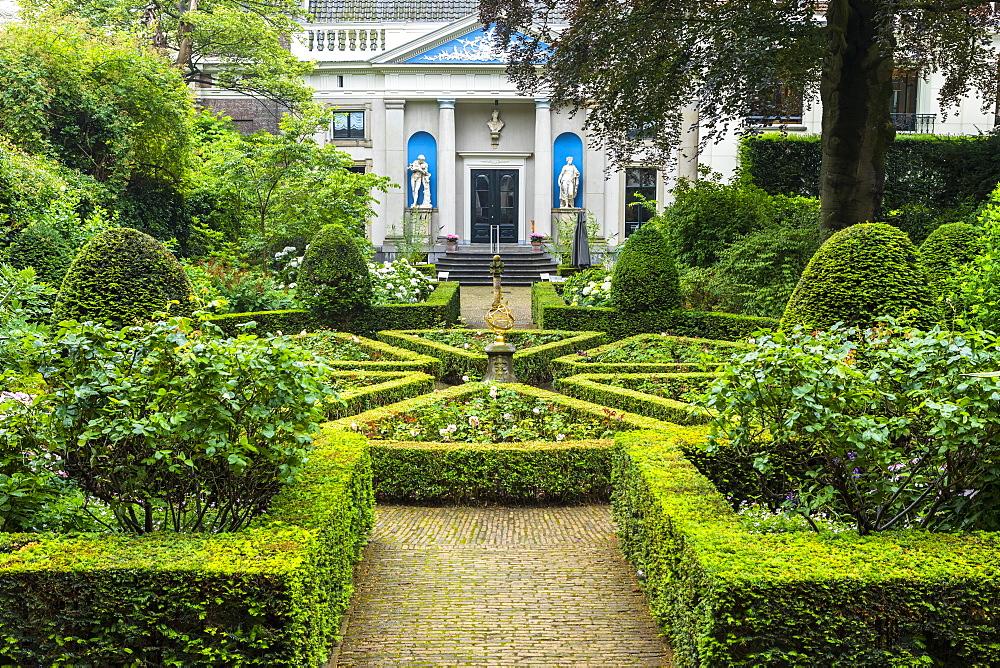 Gardens of Museum Van Loon by Keizersgracht Canal, Amsterdam, Netherlands, Europe
