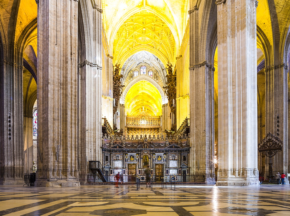 The inside of Seville Cathedral (Catedral Sevilla), UNESCO World Heritage Site, Andalucia, Spain, Europe