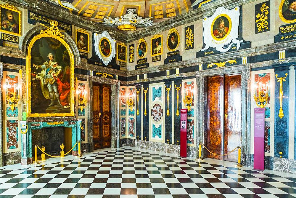 The Marble Chamber, Royal Castle in Plac Zamkowy (Castle Square), Old Town, Warsaw, Poland, Europe