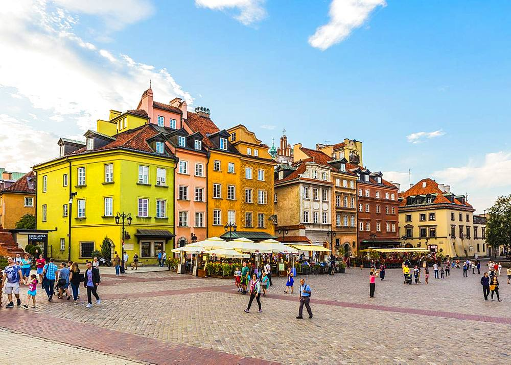 Buildings in Plac Zamkowy or Castle Square, Old Town, Warsaw, Poland, Europe