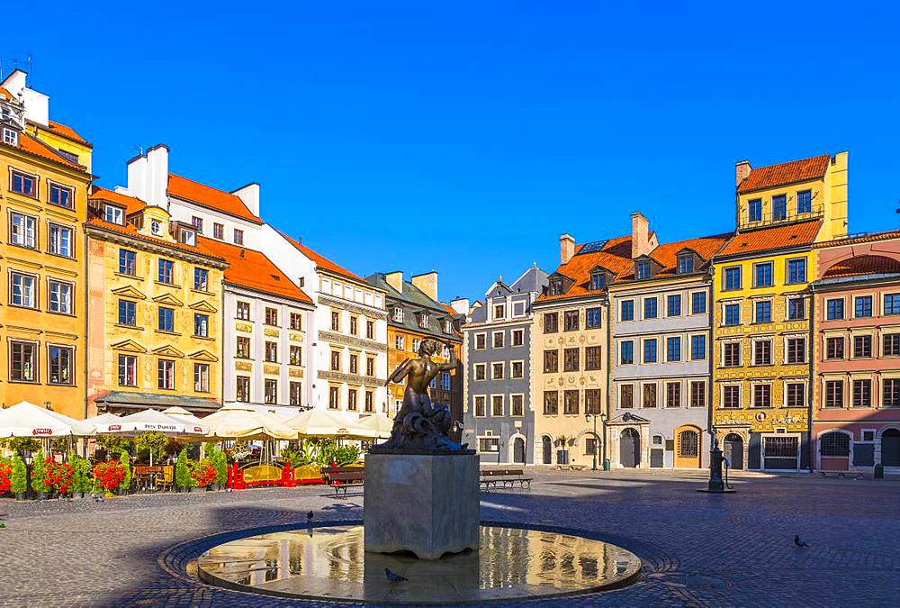 Old Town Market Square and the Warsaw Mermaid, UNESCO World Heritage Site, Old Town, Warsaw, Poland, Europe