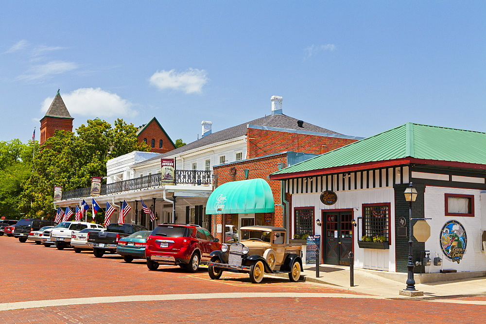 Small town called Jefferson, Texas, United States of America, North America - 1207-40