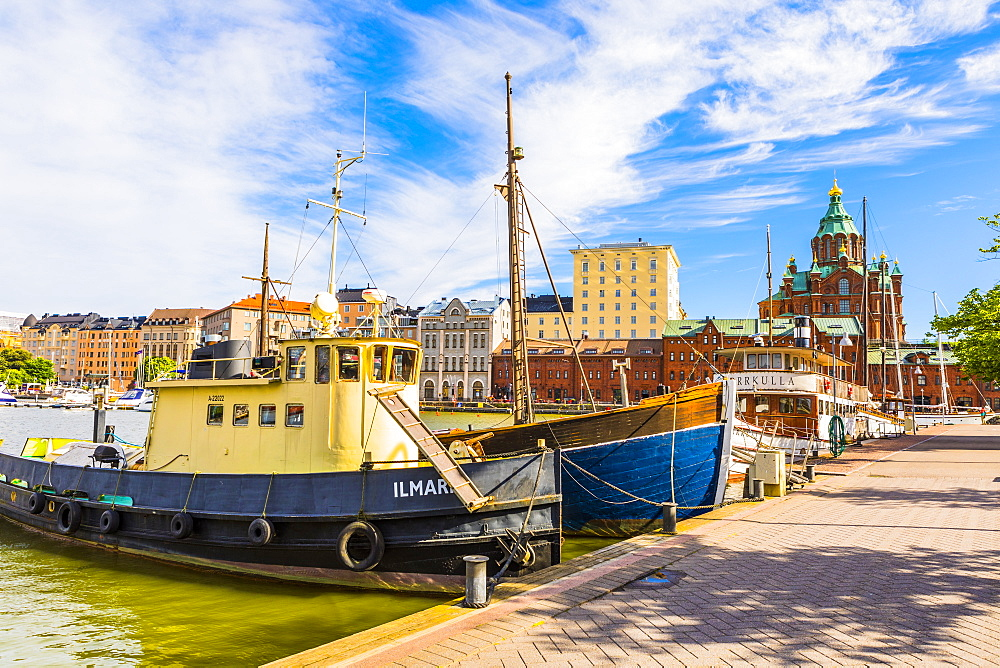 Boats docked at the harbor in Helsinki with Uspenski cathedral in the background, Uusimaa, Finland, Scandinavia, Europe - 1207-489