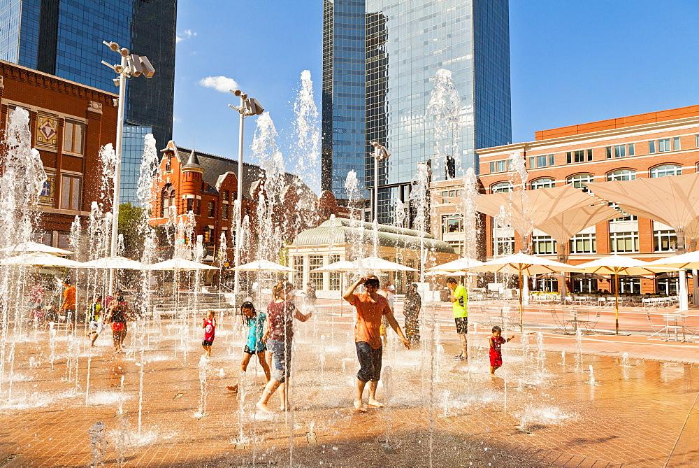 Sundance Square, Fort Worth, Texas, United States of America, North America - 1207-94