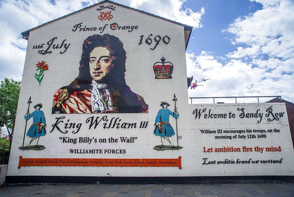 Unionist Mural, Sandy Row, Belfast - 1209-169