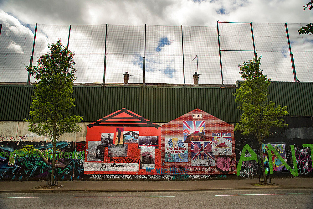 Peace Wall, Belfast - 1209-171