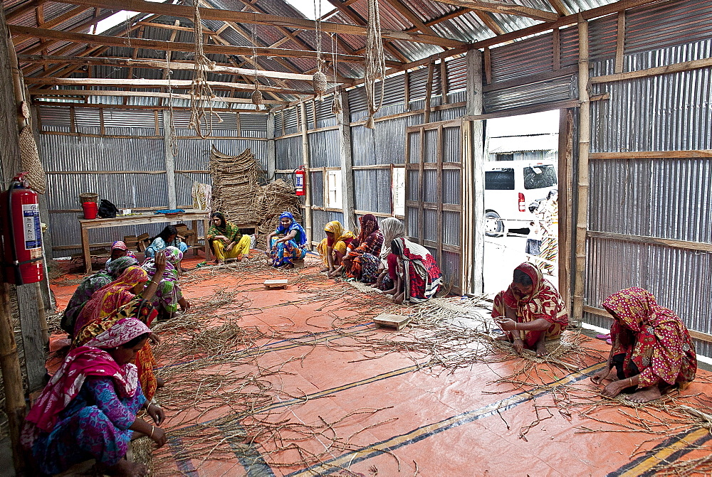 Innovative rug factories have brought small-scale factories to rural Bangladesh, Asia - 1211-77