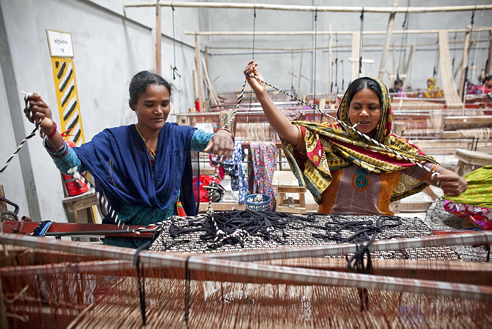 Innovative rug factories have brought small-scale factories to rural Bangladesh, Asia - 1211-80