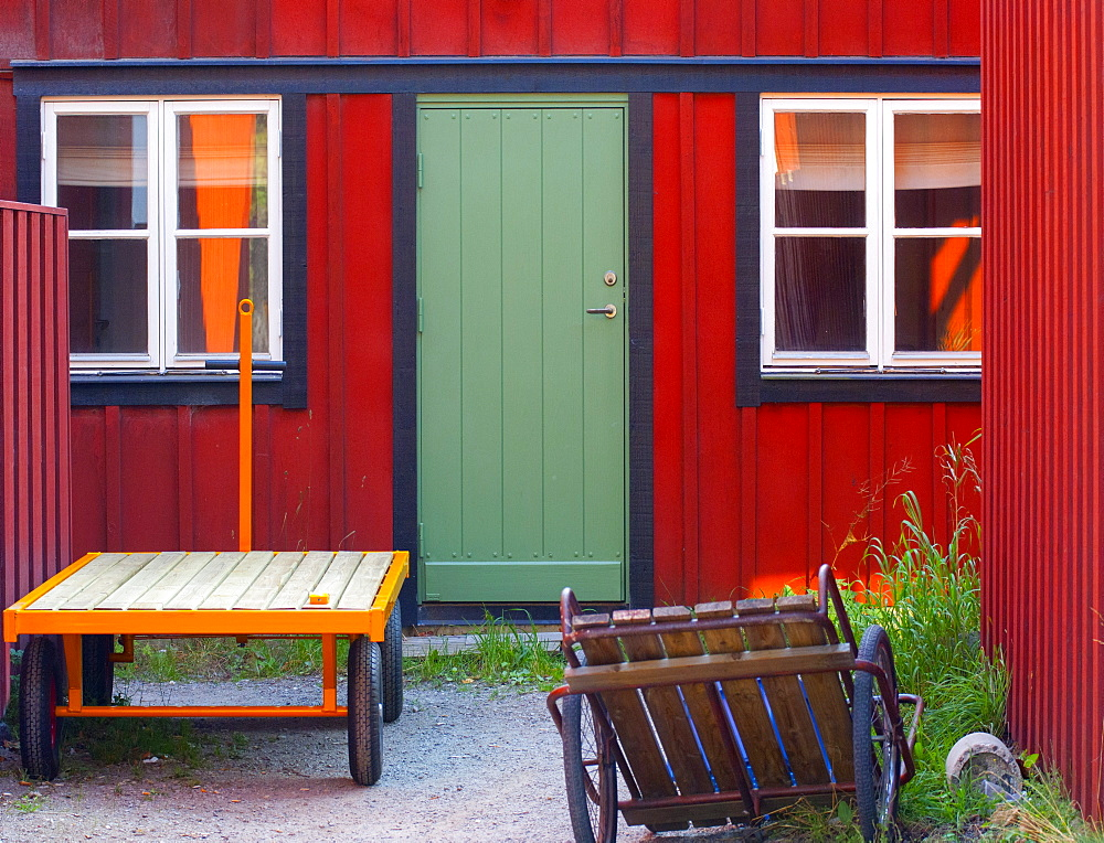 Painted holiday cottage on one of the islands in the Stockholm archipelago, Sweden, Scandinavia, Europe
