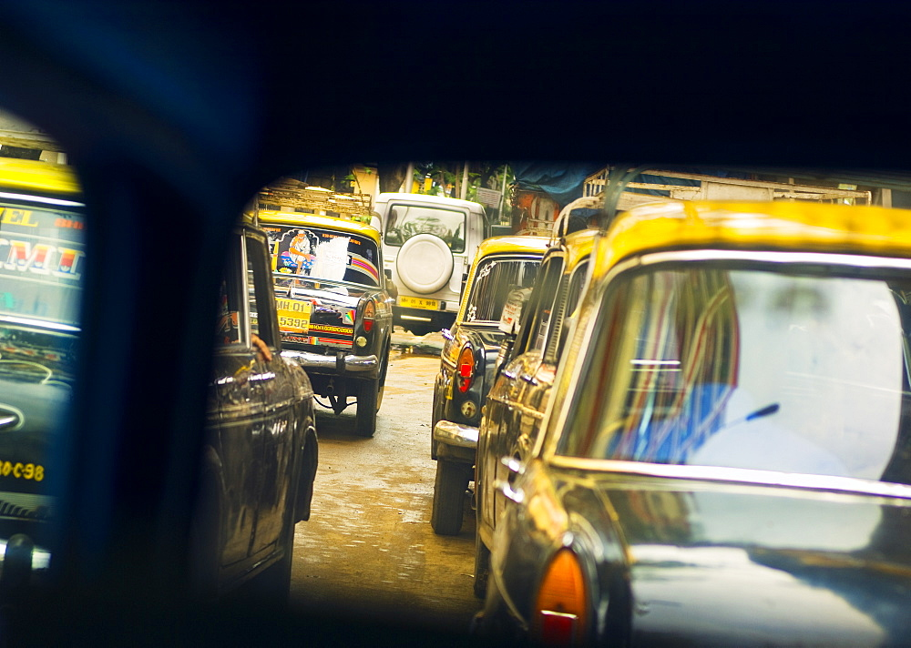 Taxis in a traffic jam, Mumbai (Bombay), India, South Asia