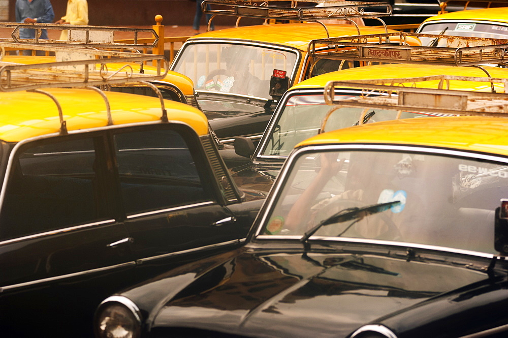 Taxis in a traffic jam, Mumbai (Bombay), India, South Asia - 1212-387