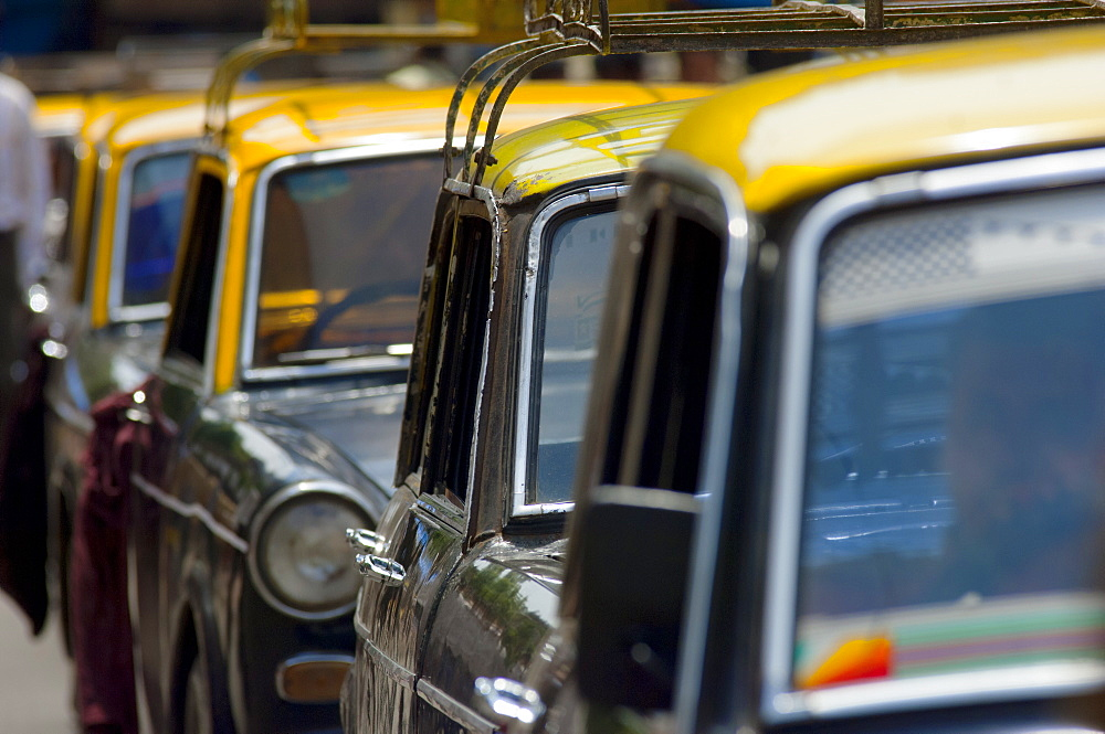 Taxis in a traffic jam, Mumbai (Bombay), India, South Asia - 1212-388