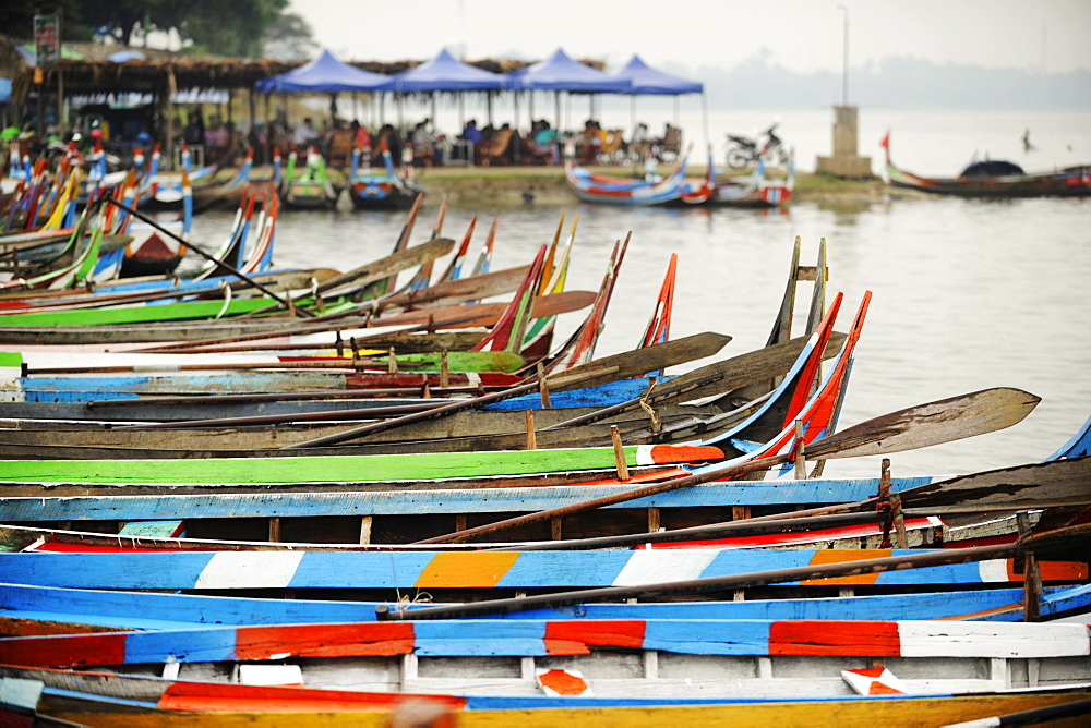 Brightly coloured boats at the U Bein Bridge, Taungthaman Lake, Amarapura near Mandalay, Myanmar (Burma), Asia - 1212-451