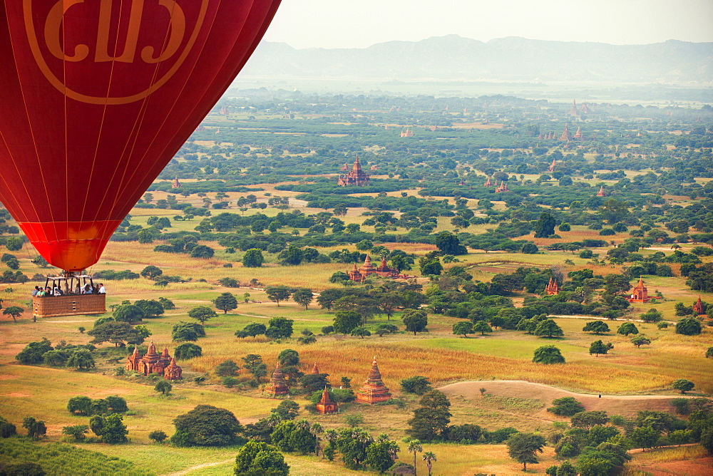 Hot air balloons over the ancient city of Bagan where more than 2200 ancient temples remain of the original 10000, Bagan (Pagan), Myanmar (Burma), Asia
