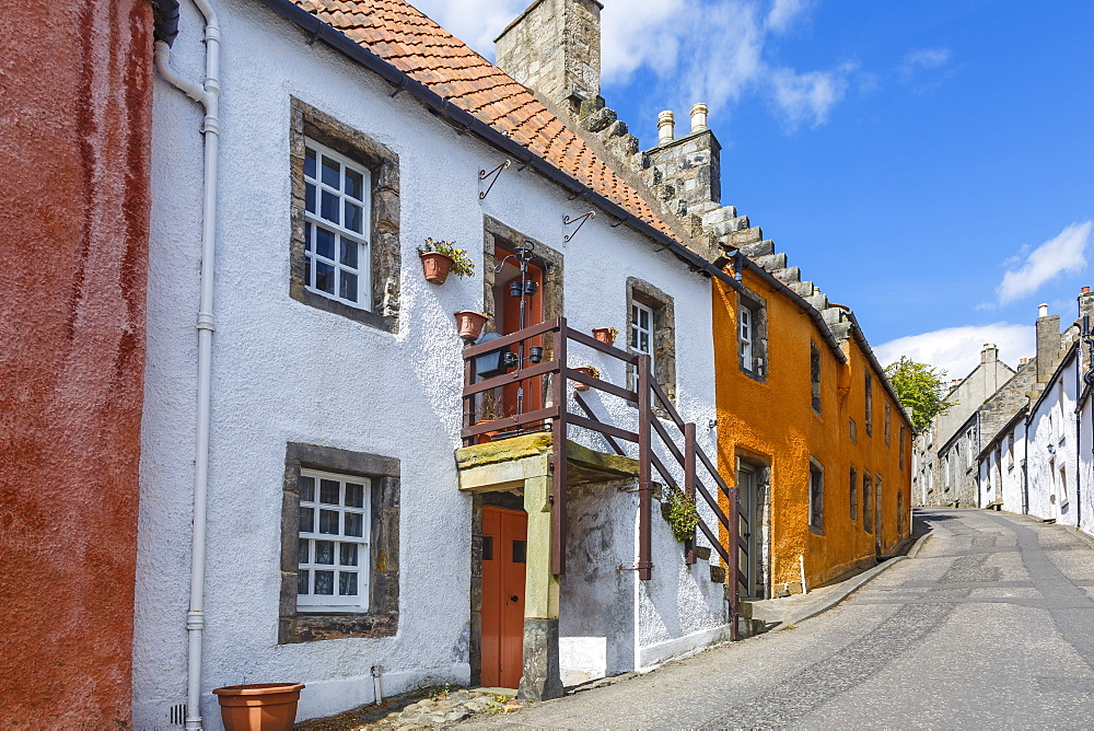 Colourful houses in the quaint village of Culross, Fife, Scotland, United Kingdom, Europe - 1213-52