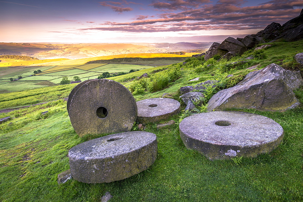 Stanage Edge millstones at sunrise, Peak District National Park, Derbyshire, England, United Kingdom, Europe