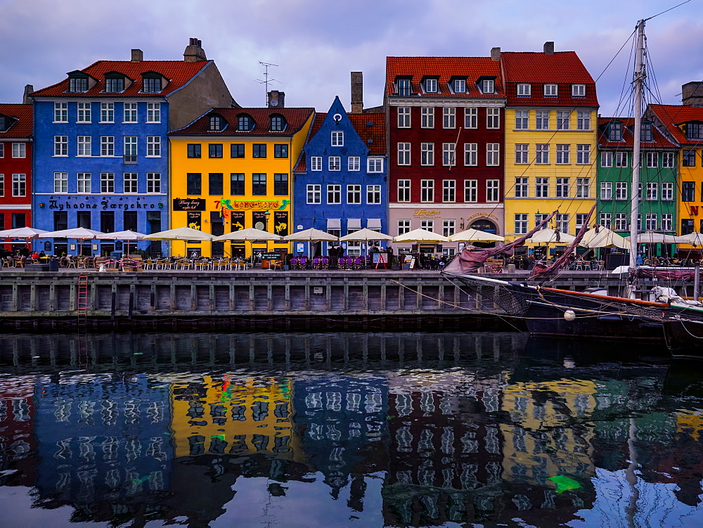 Sunset at Nyhavn, Copenhagen, Denmark, Scandinavia, Europe