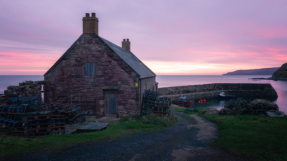Cove Harbour at Sunrise, Scottish Borders, Scotland, United Kingdom, Europe