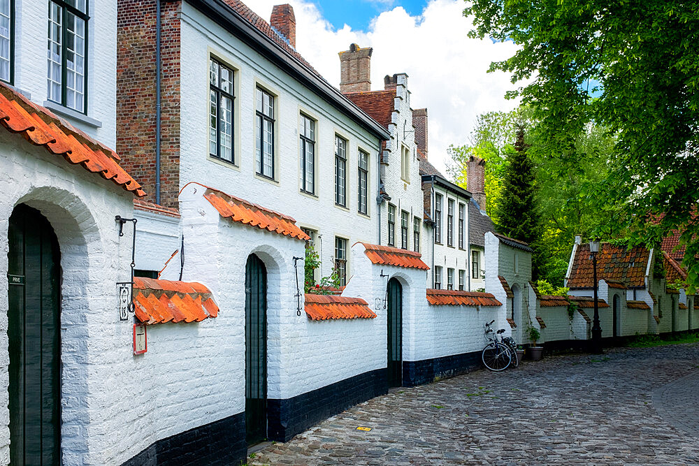 Begijnhof (Beguinage) houses, Order of St. Benedict convent, Bruges, Belgium, Europe