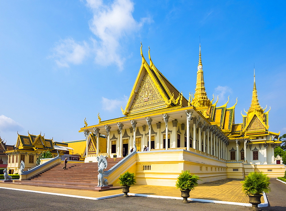 Throne Hall (Preah Thineang Dheva Vinnichay) of the Royal Palace, Phnom Penh, Cambodia, Indochina, Southeast Asia, Asia