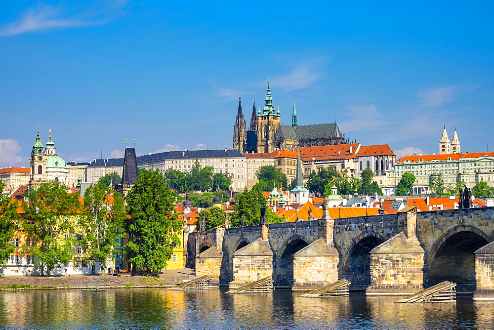Prague Castle (Prazsky Hrad), UNESCO World Heritage Site, on the Vltava River, Stare Mesto (Old Town), Prague, Czech Republic, Europe