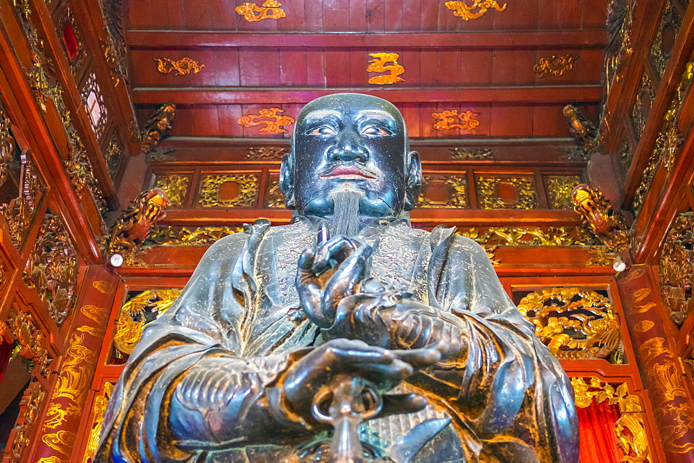 Xuan Wu (Tran Vu) bronze statue in Quan Thanh Temple (Den Quan Thanh), Ba Dinh District, Hanoi, Vietnam, Indochina, Southeast Asia, Asia