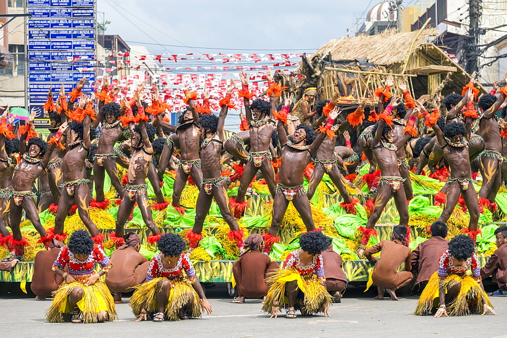 Members of Tribu Panayanon perform during the 2015 Dinagyang Festival, Iloilo City, Western Visayas, Philippines, Southeast Asia, Asia