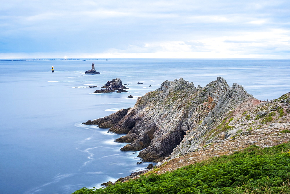 Pointe du Raz, Plogoff, Finistere, Brittany, France, Europe - 1217-392