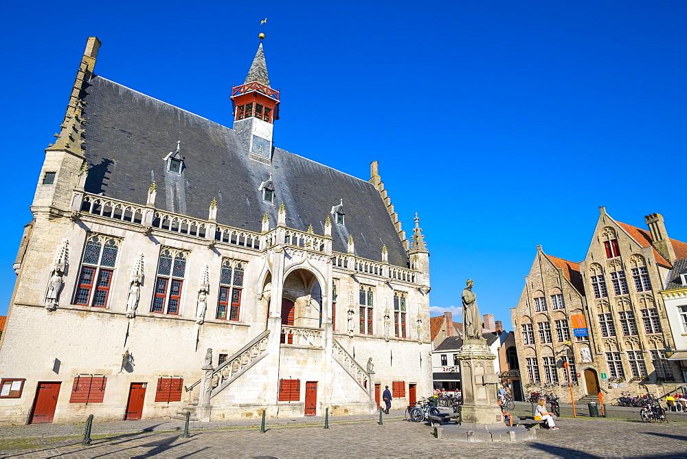 Stadhuis Damme (Town Hall), Damme, Vlaanderen (West Flanders), Belgium, Europe - 1217-433