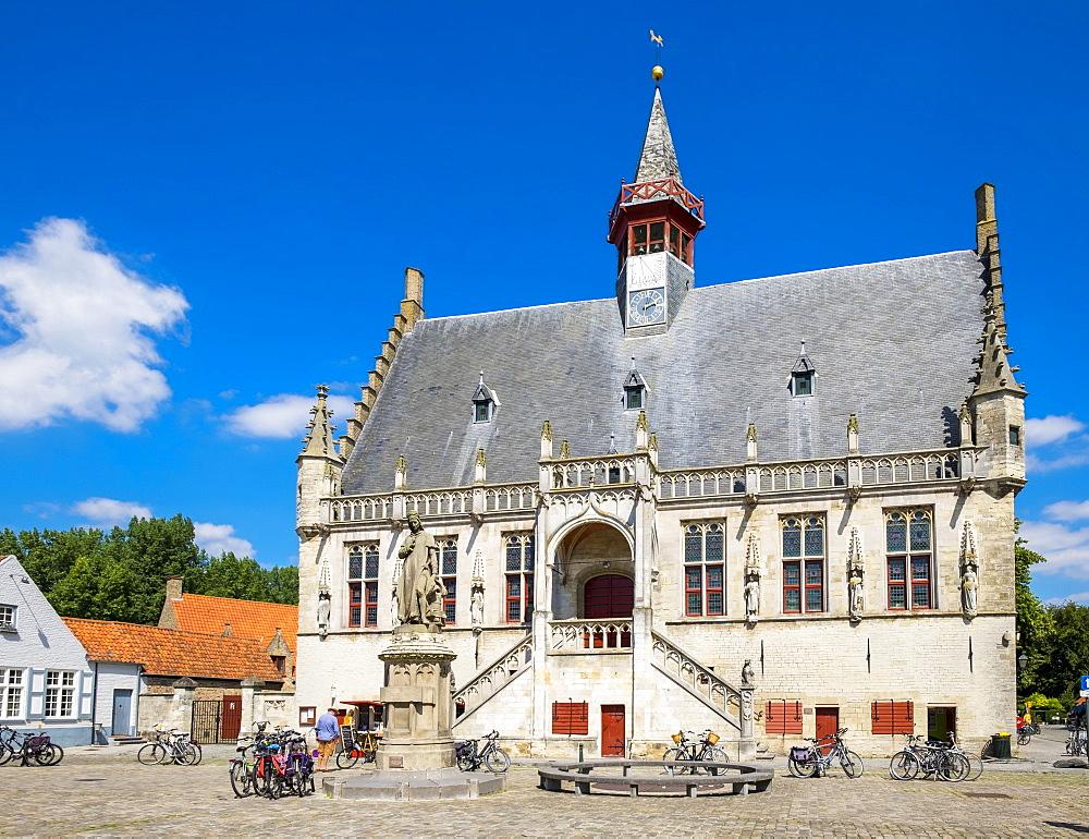 Stadhuis Damme (Town Hall), Damme, Vlaanderen (West Flanders), Belgium, Europe