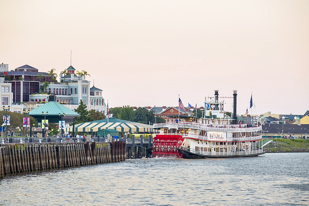 Steamboat Natchez on the Mississippi River, French Quarter, New Orleans, Louisiana, United States of America, North America