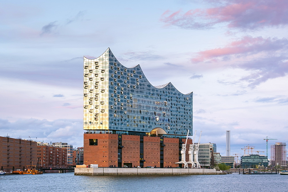 Elbphilharmonie (Elbe Philharmonic Hall) concert hall on the Elbe River at sunset, HafenCity, Hamburg, Germany, Europe