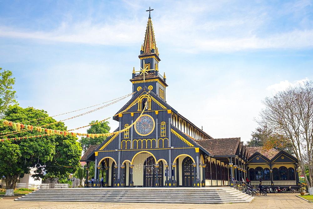 Kon Tum Cathedral, also known as Wooden Church, Kon Tum, Kon Tum Province, Vietnam, Indochina, Southeast Asia, Asia
