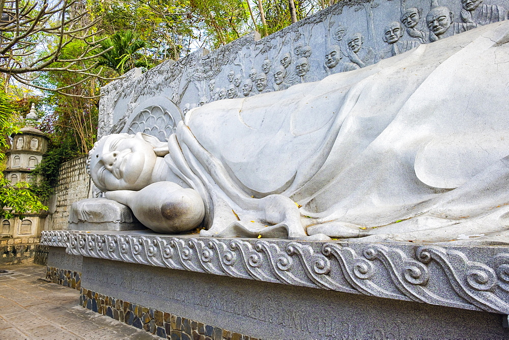 Reclining Buddha at Long Son Pagoda (Chua Long Son) Buddhist temple, Nha Trang, Khanh Hoa Province, Vietnam, Indochina, Southeast Asia, Asia