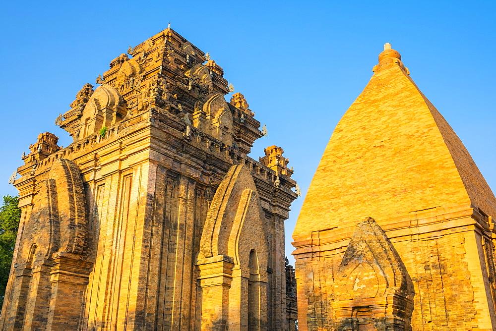 Po Nagar temple Cham towers, Nha Trang, Khanh Hoa Province, Vietnam, Indochina, Southeast Asia, Asia