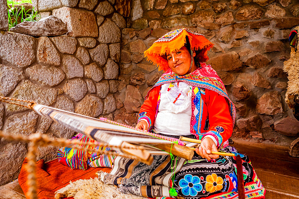 Quechua woman from the Accha Huata, Bombom, and Paucartambo communities, Sacred Valley, Peru, South America