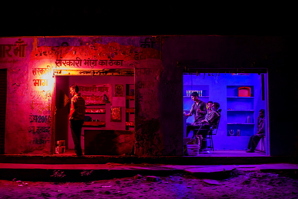 Barber shop at night, Pushkar Camel Fair, Pushkar, Rajasthan, India, Asia