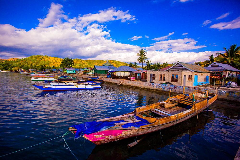 Fishing boats on Indonesian Islands, Indonesia, Southeast Asia, Asia