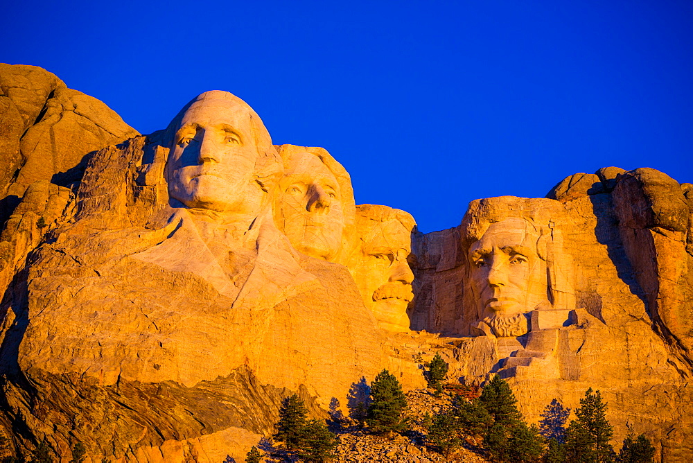 Sunrise at Mount Rushmore, Black Hills, South Dakota, United States of America, North America