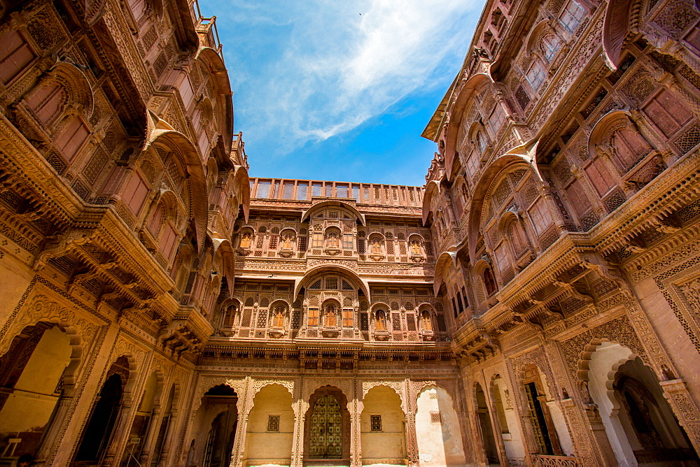 Inner courtyard of the Mehrangarh Fort in Jodhpur, the Blue City, Rajasthan, India, Asia
