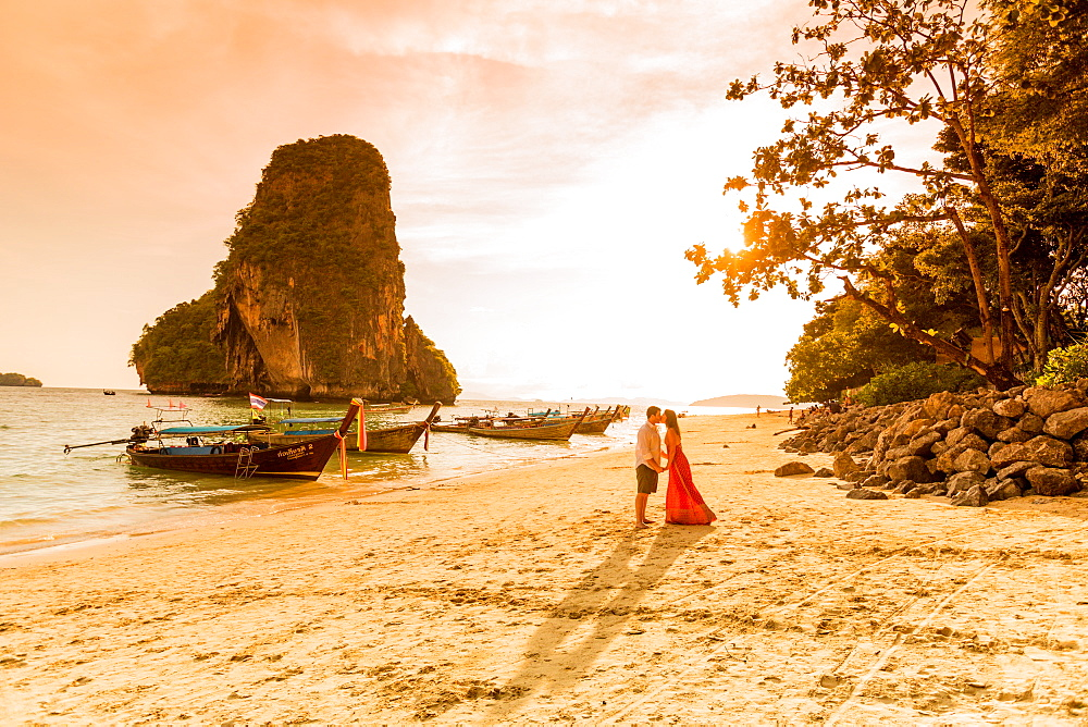 Sunset on Railay Beach in Krabi, Thailand, Southeast Asia, Asia - 1218-512