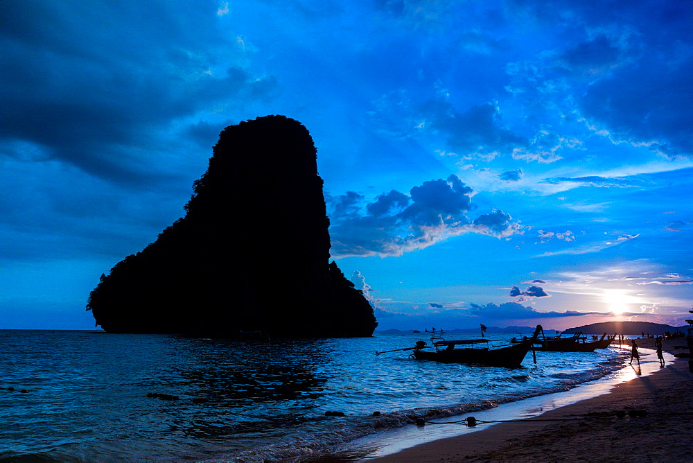 Sunset on Railay Beach in Krabi, Thailand, Southeast Asia, Asia - 1218-518