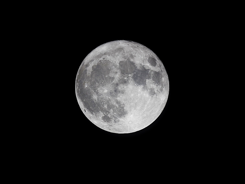 Supermoon (perigree full moon) bigger and brighter in the winter evening sky, United Kingdom, Europe - 1219-199