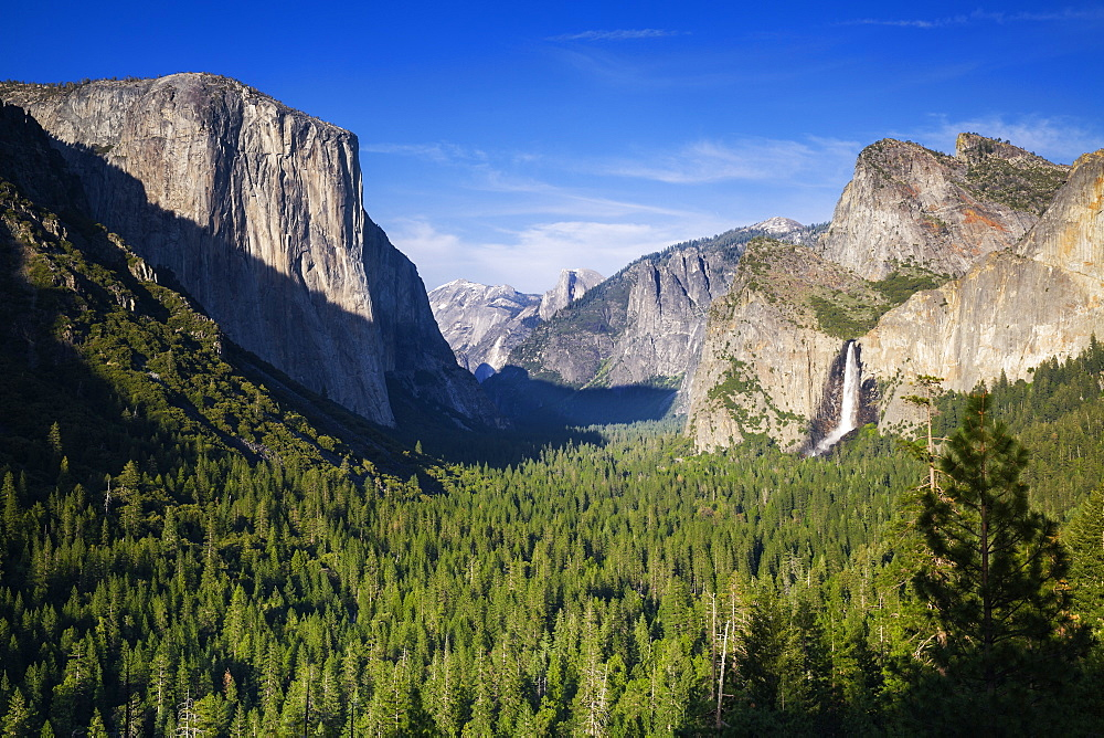 El Capitan and Bridalveil Falls frame Half Dome and Clouds Rest, Yosemite Valley from Tunnel View, Yosemite National Park, UNESCO World Heritage Site, California, United States of America, North America
