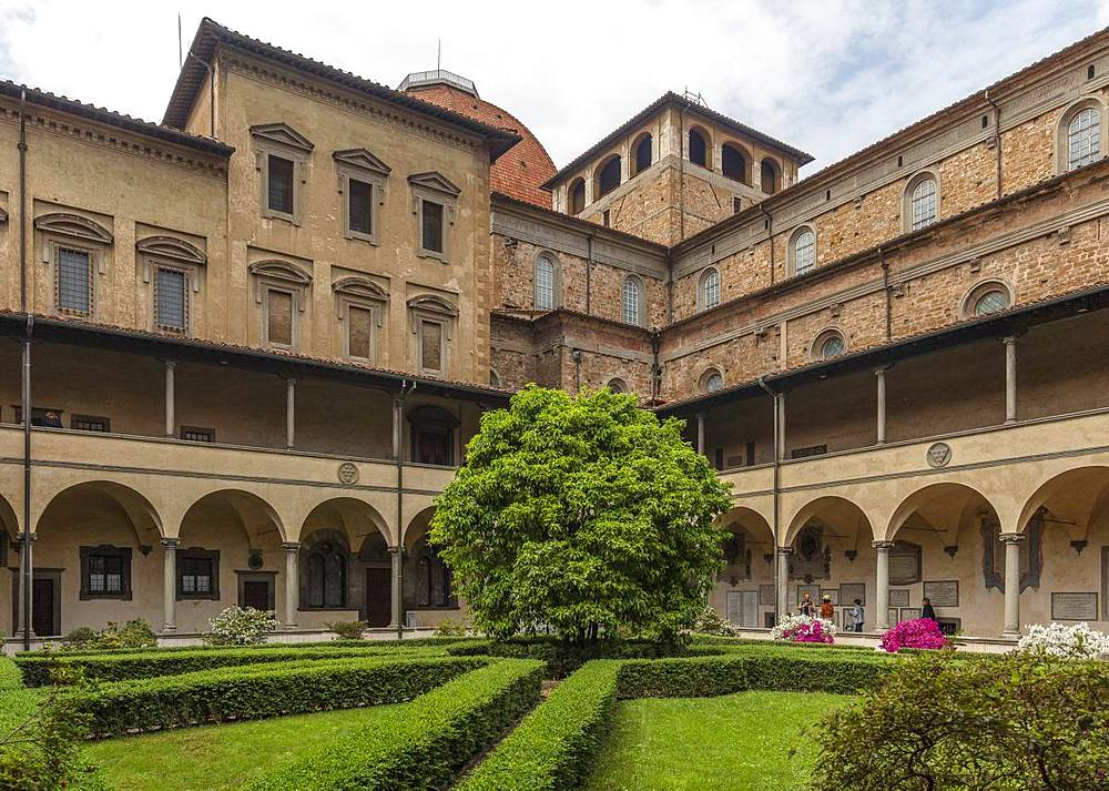 The formal cloister garden with clipped box hedges of the San Lorenzo church, Florence, Tuscany, Italy, Europe - 1219-244