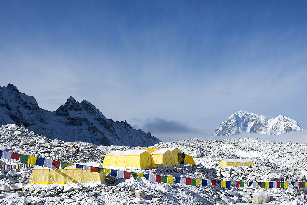 Everest Base Camp at the end of the Khumbu glacier lies at 5350m, Khumbu Region, Himalayas, Nepal, Asia