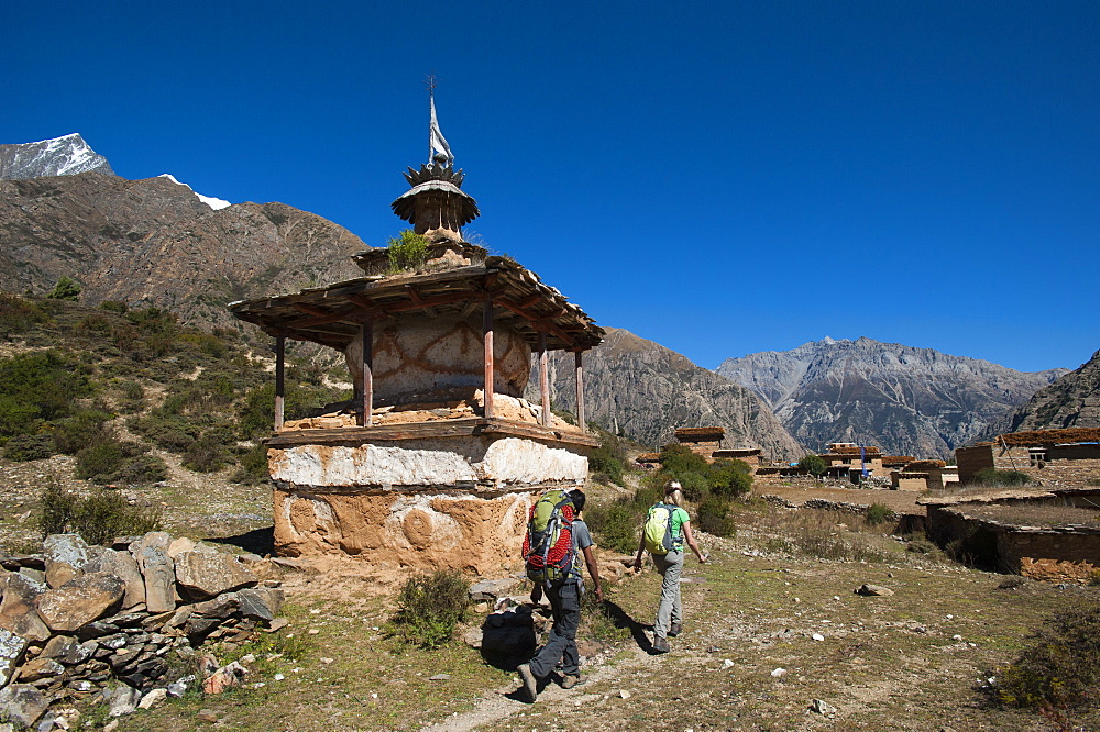 A little chorten beside the trail near Ringmo in the remote Dolpa region, Himalayas, Nepal, Asia