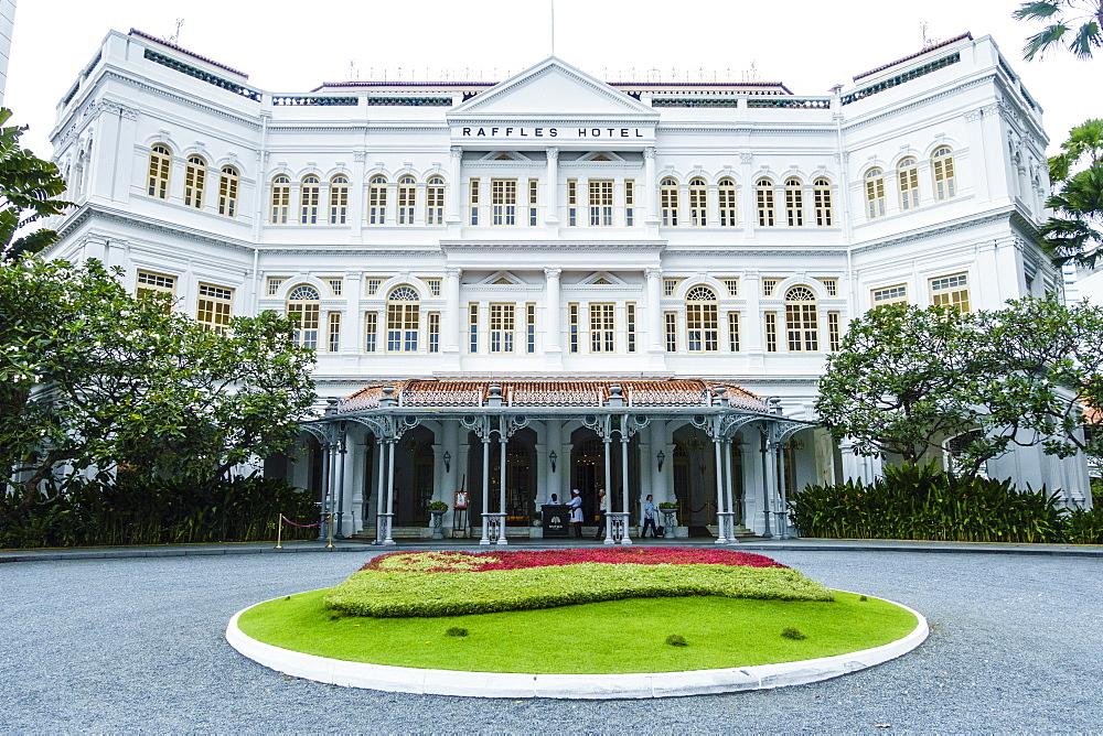 The famous Raffles Hotel, a Singapore landmark, Singapore, Southeast Asia, Asia